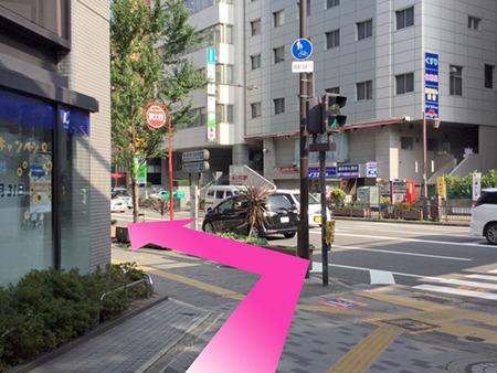 東京中央美容外科江坂院 御堂筋線ルート04